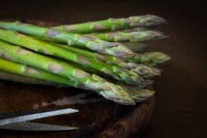 Recette de Petits flans d'asperges vertes au poivre sauvage de Madagascar