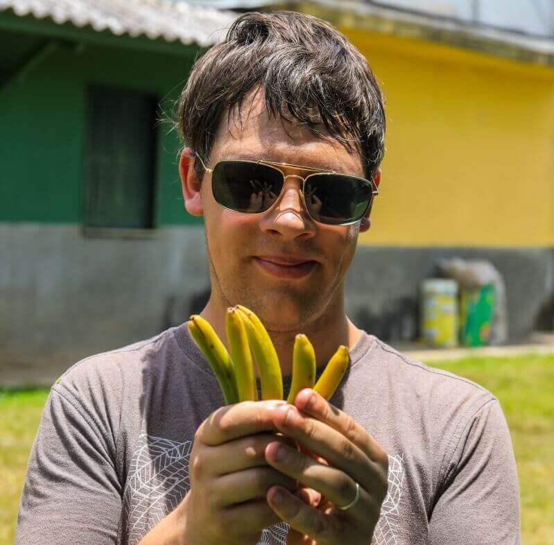 Arnaud avec de la vanille bainaise du Brésil - Gousse de vanille sauvage