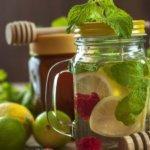 Recette de Eau détox citron, lavande, vanille