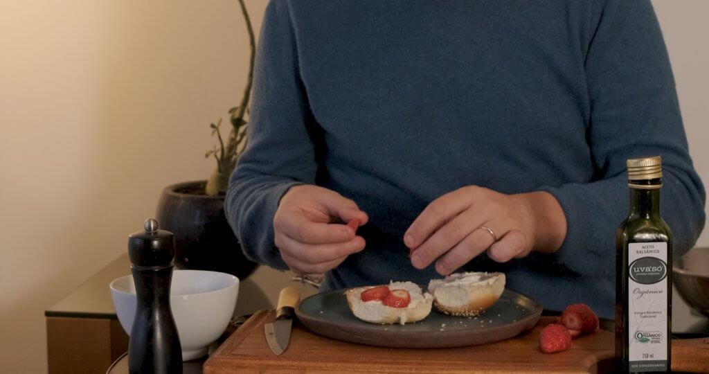 bagel aux fraises et basilic