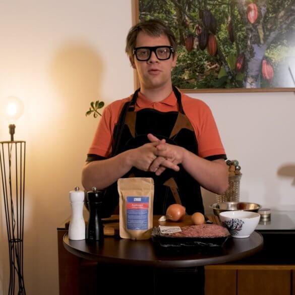Comment bien préparer une viande hachée pour un hamburger maison-min